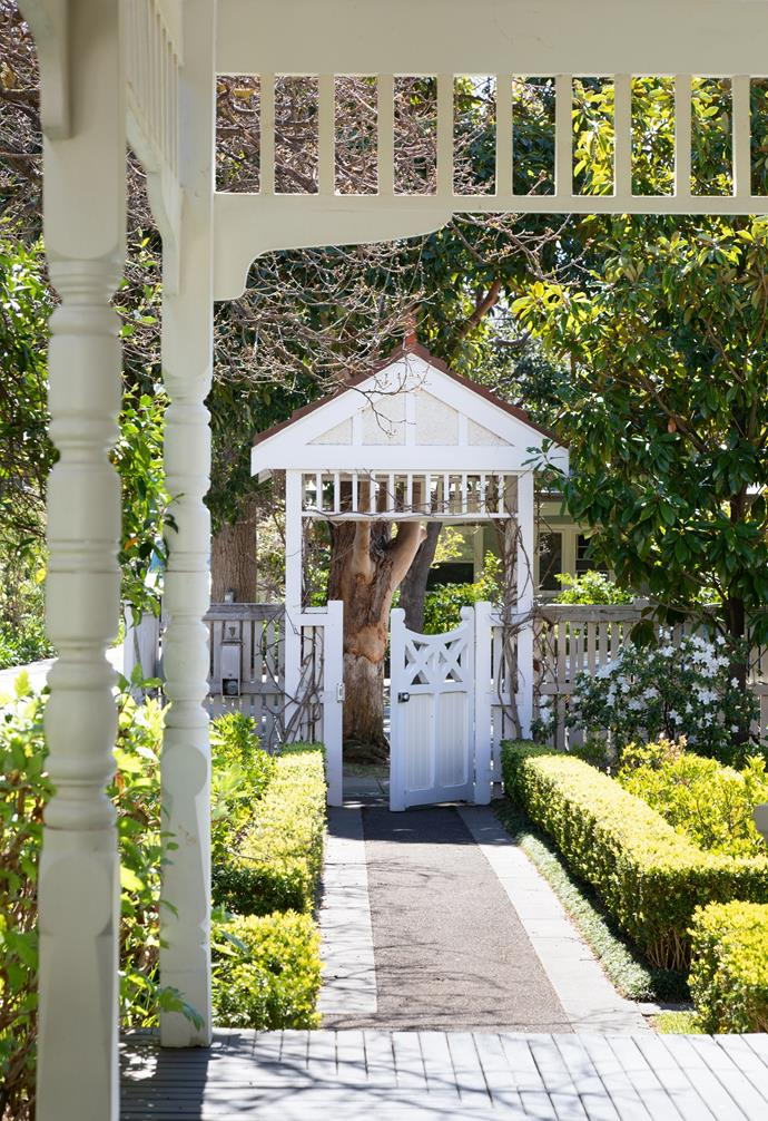 """When Vicki and her husband bought their home southeast of Melbourne back in 2015, they were immediately struck by the lush garden and bright facade. """"When we walked inside, we couldn't believe how much natural light there was,"""" explains Vicki."""
