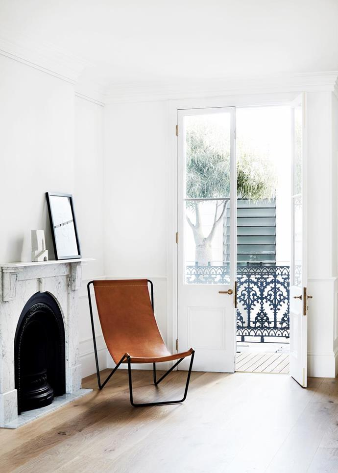 """A minimal materials palette of oak, marble and brass are used throughout this [revamped Sydney terrace](https://www.homestolove.com.au/a-revamped-sydney-terrace-with-a-tranquil-aesthetic-19031