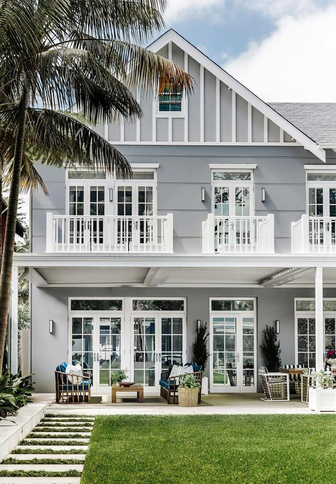 """The exterior of this [luxurious Hamptons-style home](https://www.homestolove.com.au/a-luxurious-hamptons-style-home-in-sydneys-eastern-suburbs-6074