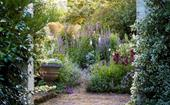 Gardening in spring: what to plant and what to prune
