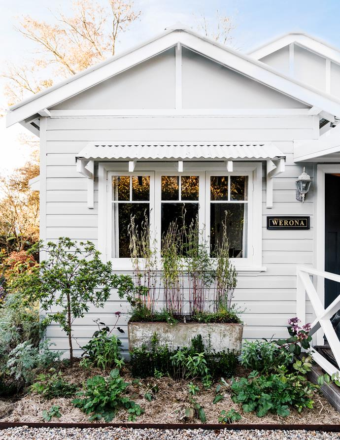 The charms of this quaint weatherboard cottage proved irresistible for tree-changers James Watts and Tony Chapman, who named the house 'Werona', an Aboriginal word for quiet.