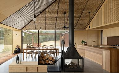 A modern farmhouse on Bruny Island that celebrates the surrounding landscape