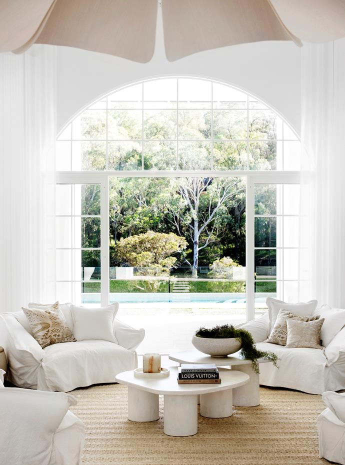 """Built on Sydney's north-west outskirts, this luxe [resort-style home](https://www.homestolove.com.au/resort-style-home-three-birds-renovations-22500/
