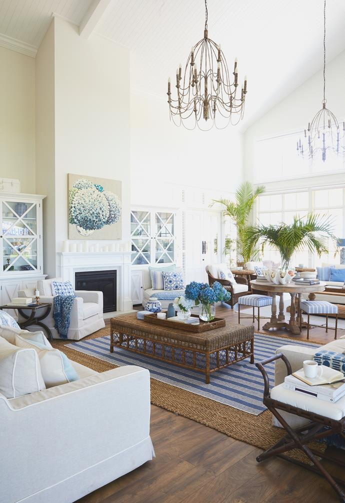 """In the main living area of this [grand Hamptons-inspired farmhouse](https://www.homestolove.com.au/grand-hamptons-country-farmhouse-22797