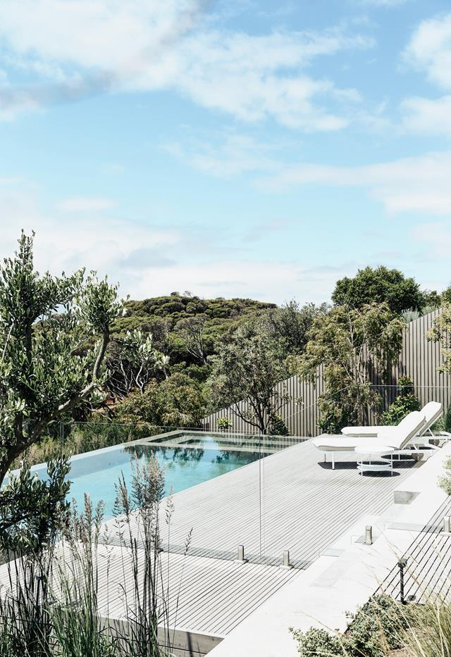 """The inspiring design of this [holiday-ready home](https://www.homestolove.com.au/contemporary-coastal-home-victoria-22859/