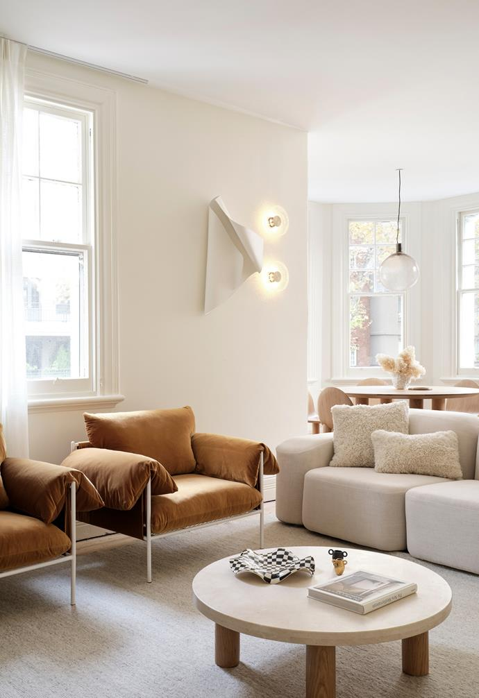 """Situated in Potts Point, a postcode populated by exceptional eateries and [Art Deco architecture](https://www.homestolove.com.au/art-deco-house-19892