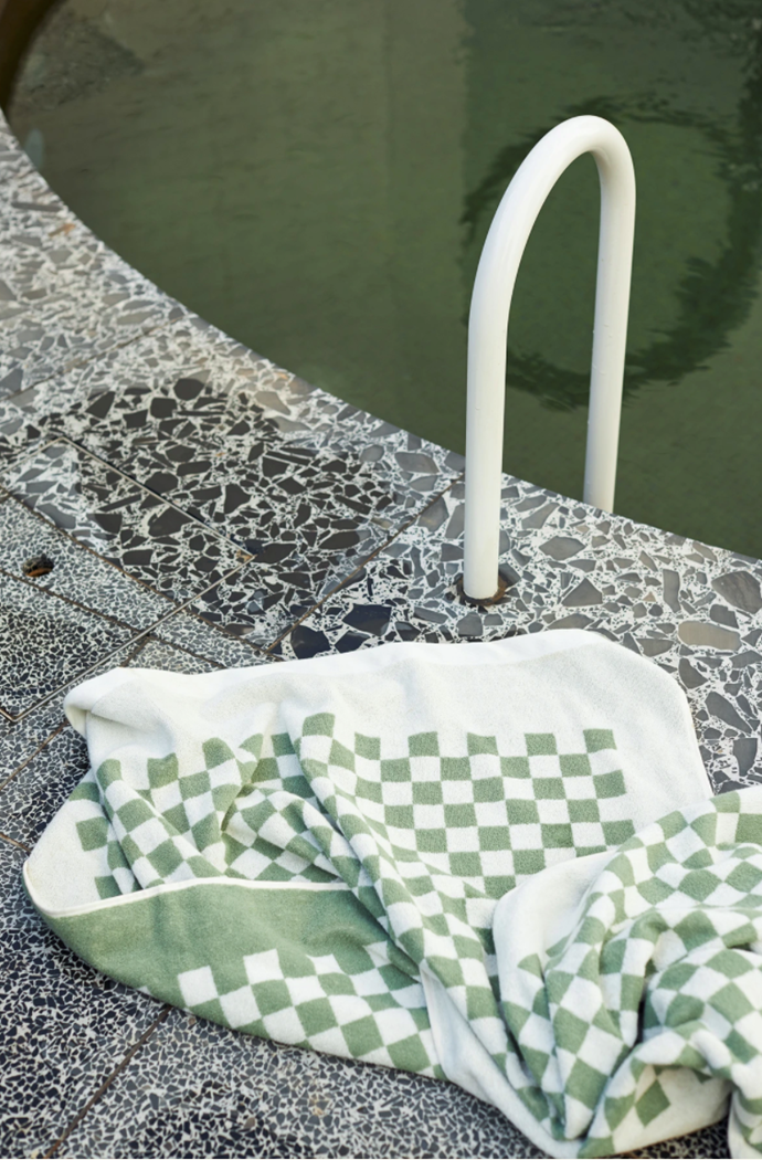 """**Roman Organic Cotton Pool Towel in Sage & Chalk, $110, [Baina](https://shopbaina.com/products/roman-organic-cotton-pool-towel-in-sage-chalk target=""""_blank"""" rel=""""nofollow"""")**   For beach babes who love to stay ahead of the pack, we can't go past the Baina Roman towel. It's signature checkerboard design is sure to turn heads, and if sage green isn't your colour, it's also available in a chocolate and black palette."""