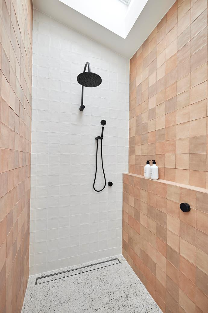 """Tanya and Vito added a contemporary touch to the bathroom with the use of [matte black tapware](https://www.homestolove.com.au/bathroom-tapware-finishes-2326