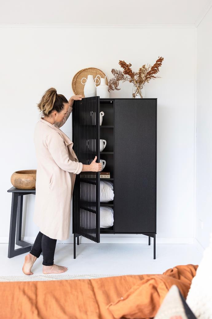 """Deb and Andy became well known for their breezy coastal style during their stint on the [2019 season of The Block](https://www.homestolove.com.au/the-block-2019-houses-20776