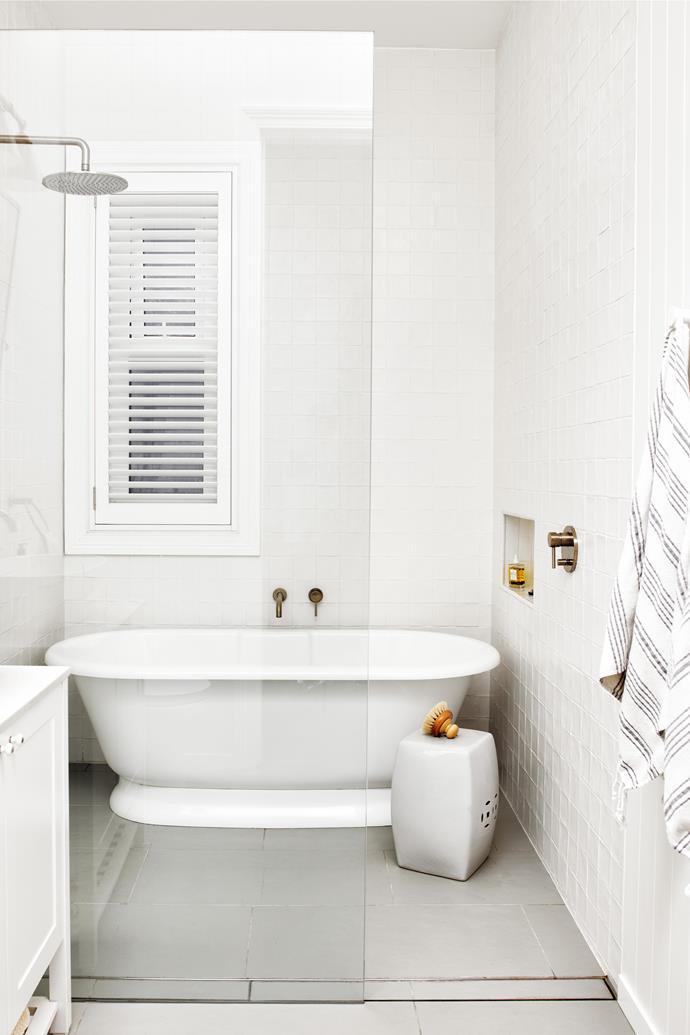 "Victoria & Albert tub, [ABI Interiors](https://www.abiinteriors.com.au/ target=""_blank"" rel=""nofollow""). Vintage ceramic stool."