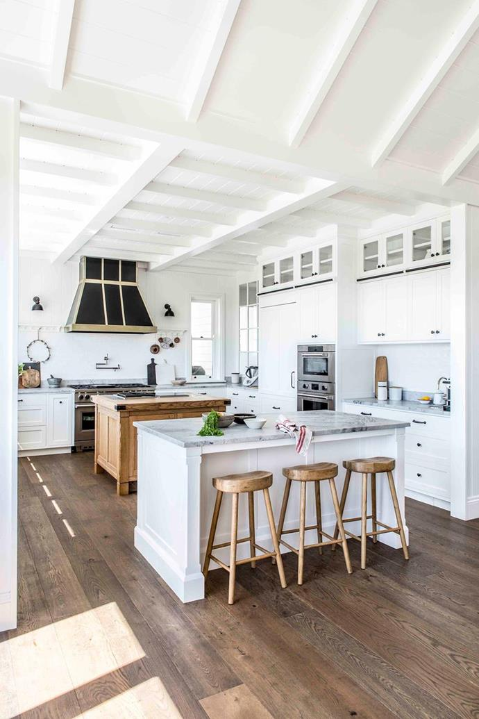 """The large kitchen in this [fabulous farmhouse in the Southern Highlands](https://www.homestolove.com.au/modern-farmhouse-southern-highlands-22012