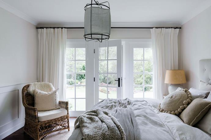 Infused with light, the bedroom features furnishings and decor in natural tones, textures and finishes.