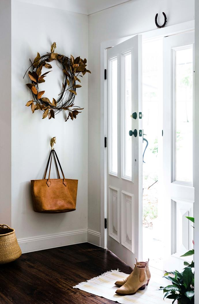 The entrance to the house is fresh and light.