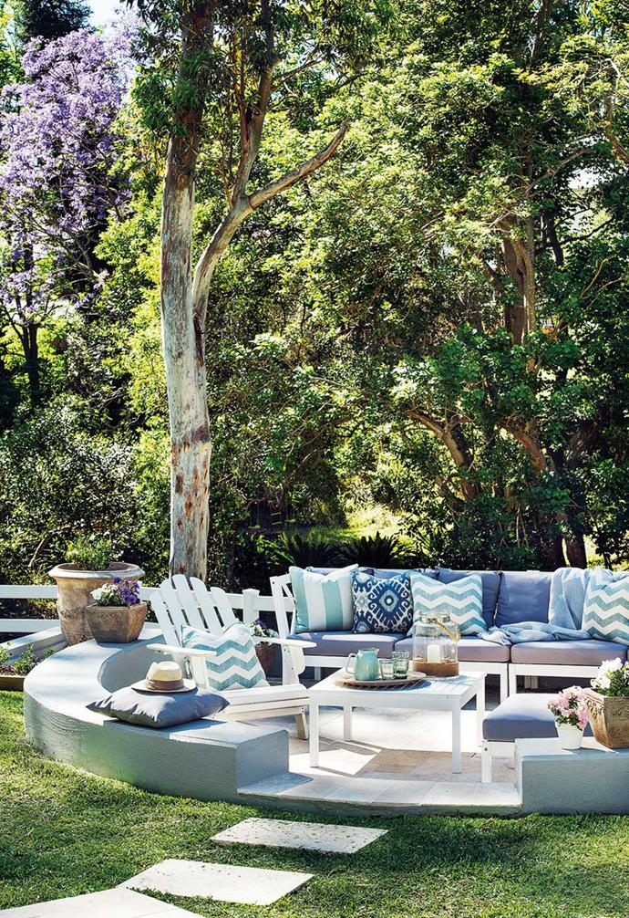 """A Domayne sofa provides an elegant place to contemplate the [outdoor entertaining space](https://www.homestolove.com.au/outdoor-entertaining-areas-2741 target=""""_blank"""")."""
