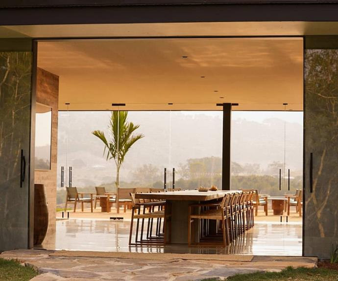 Communal areas to gather in front of an exhilarating view.