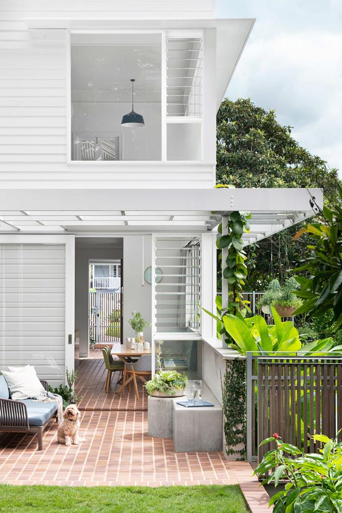 """The rendered blockwork is Rockcote Lime Plaster colourmatched with [Dulux Dune](https://www.dulux.com.au/colour/colorbond-dune
