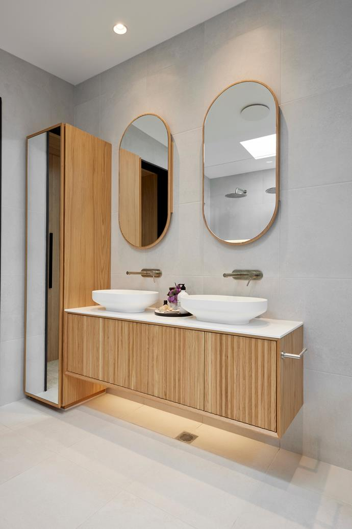 """""""If they keep doing this same style throughout the house, they'll be hard to beat,"""" said Shaynna of Luke and Josh's luxurious master ensuite fitout. [Basins](https://www.reece.com.au/product/venice-500-counter-basin-solid-surface-white-1862104