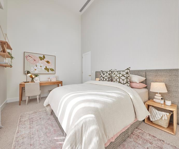 """Neil thought the lamps were too small and Darren agreed.  Shaynna was having none of their objections, declaring the room to be, """"Absolutely perfect!"""" Rug, [Freedom](https://www.freedom.com.au/product/23789951 target=""""_blank"""" rel=""""nofollow""""), [Bedlinen](https://www.adairs.com.au/bedroom/quilt-covers-coverlets/home-republic/stonewashed-cotton-misty-rose-quilt-cover/ target=""""_blank"""" rel=""""nofollow"""") and [Artwork](https://adelenaidoo.com/products/flowerbed?variant=34518843457668 target=""""_blank"""" rel=""""nofollow""""), Adairs."""