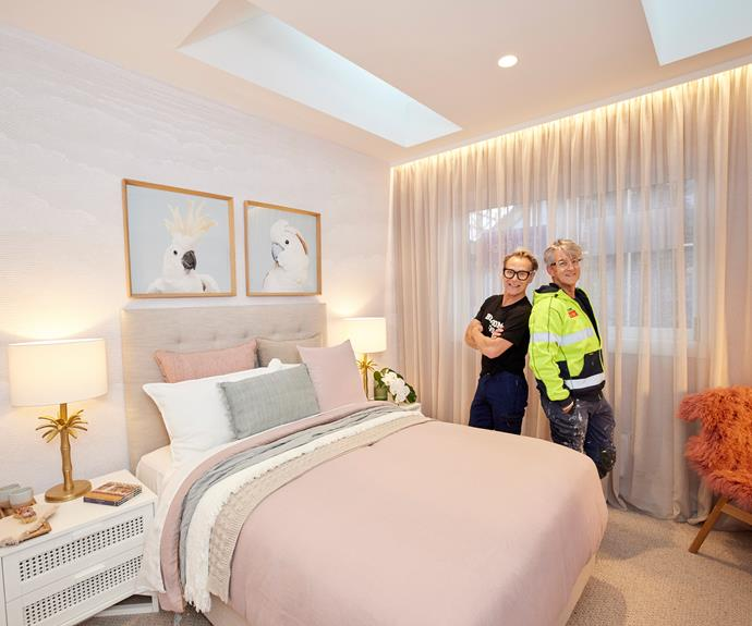 """Mitch and Mark's revamped guest bedroom was, """"A very good redo of a room that we thought lacked personality,"""" according to Shaynna. Cushions, [Aura](https://www.aurahome.com.au/vintage-linen-fringe-cushion-limestone target=""""_blank"""" rel=""""nofollow""""), Bedside tables, [Freedom](https://www.freedom.com.au/product/24320689 target=""""_blank"""" rel=""""nofollow"""")."""