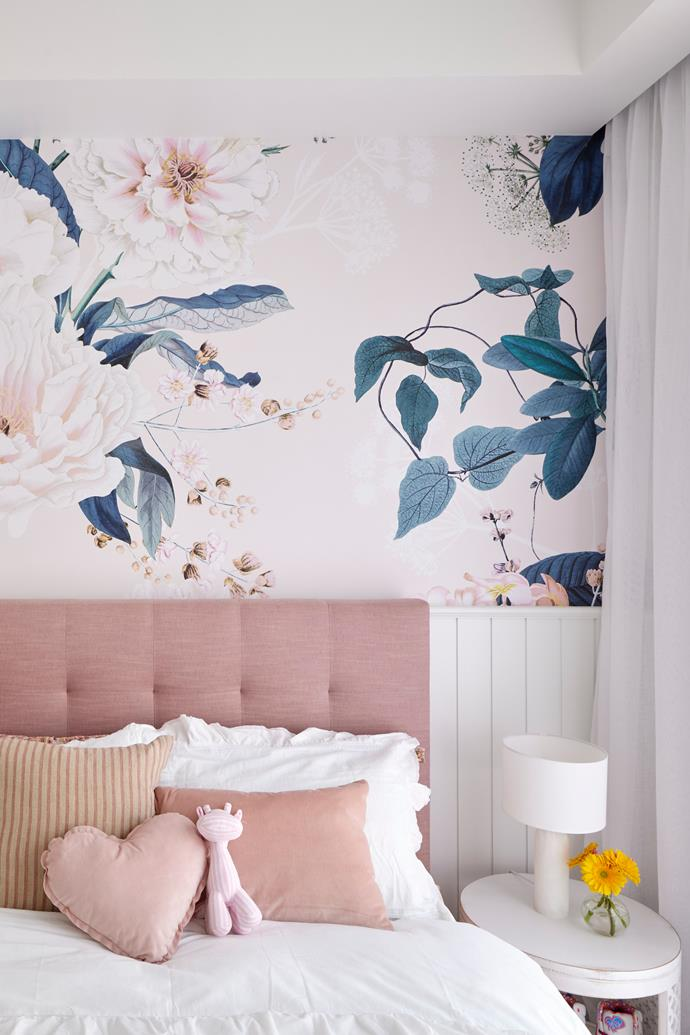 """Featured [wallpaper](https://www.grafico.com.au/product/luxe-bloom-wallpaper-wallpaper/ target=""""_blank"""" rel=""""nofollow"""") drove the entire colour palette. Bedhead, [Forty Winks](https://www.fortywinks.com.au/ target=""""_blank"""" rel=""""nofollow"""")."""