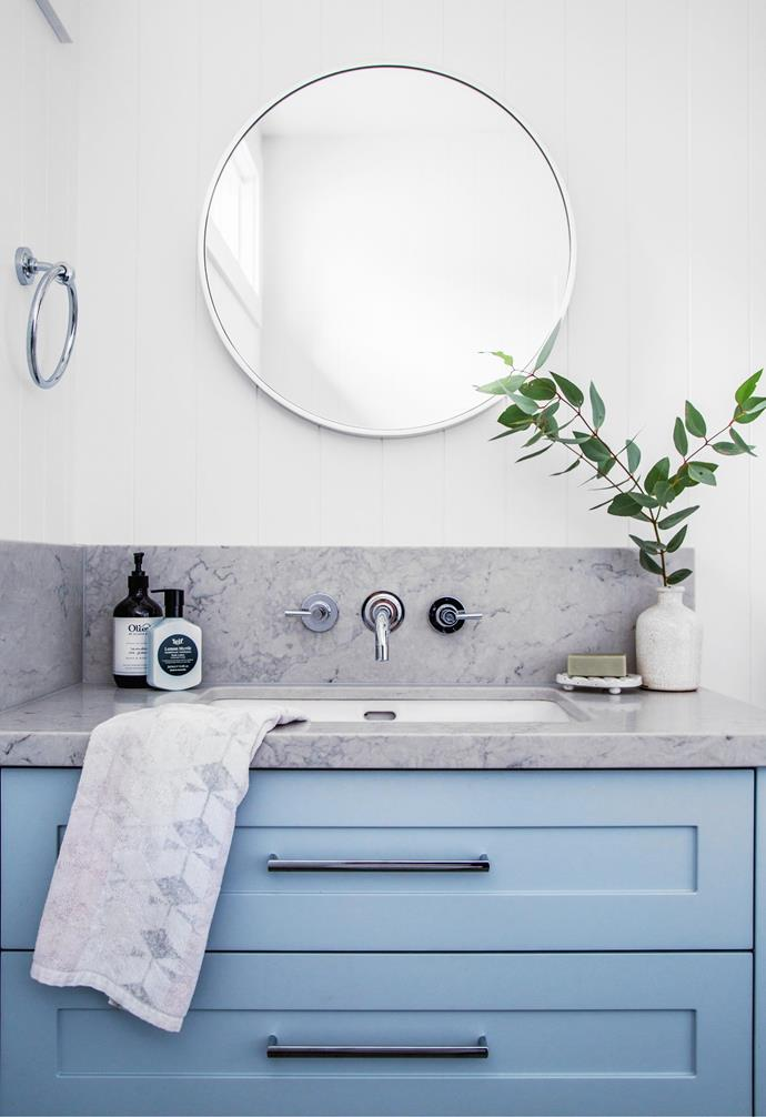 Belinda and Dan's ensuite has a vanity in Dulux Calandre, a Caesarstone Noble Grey benchtop and Sussex 'Scala' taps.