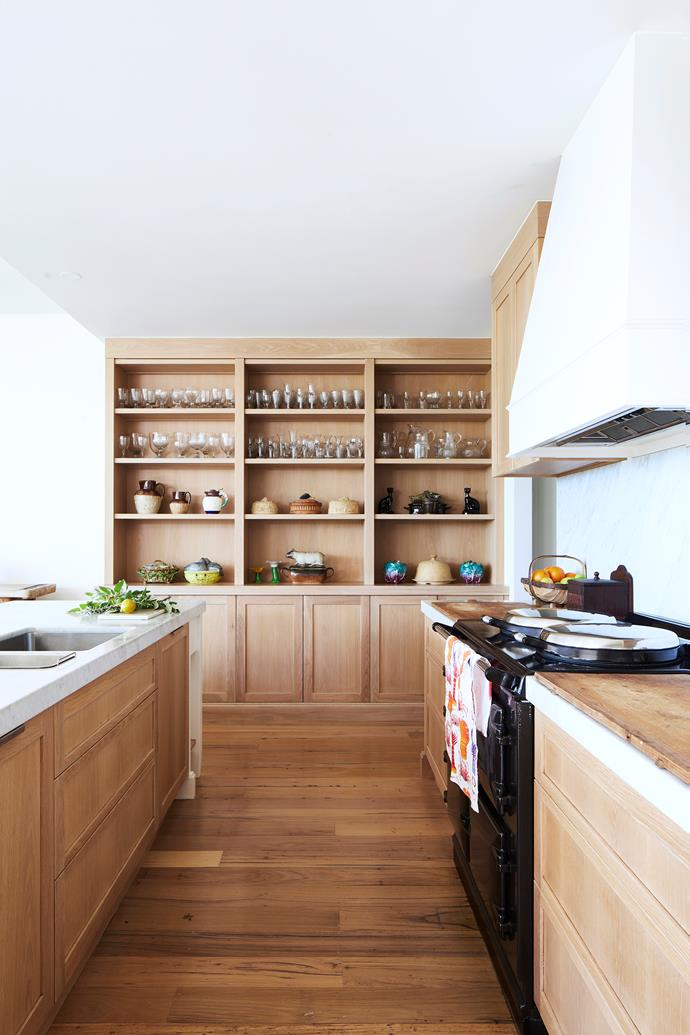"""Fresh and timeless, the kitchen in this [coastal Australian home](https://www.homestolove.com.au/a-coastal-australian-home-with-a-cape-cod-influence-7119 target=""""_blank"""") features new oak cabinetry."""
