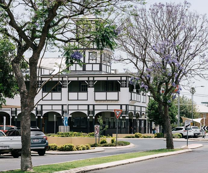 View of Victoria Hotel in Goondiwindi from the street