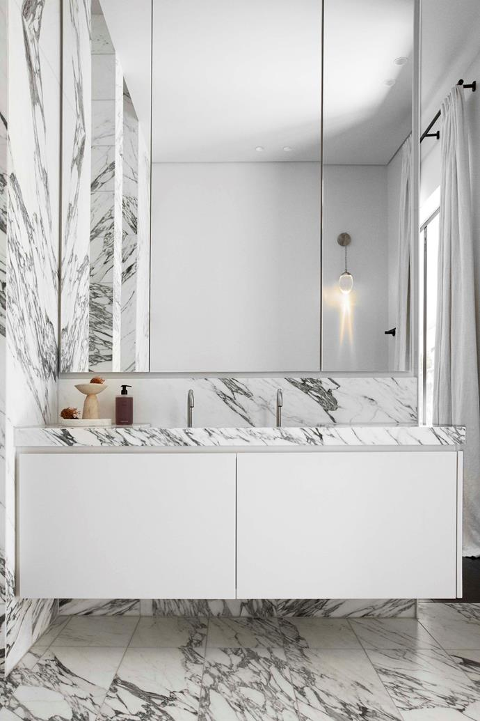 Arabescato marble from Adelaide Marble specialists is the star of the main ensuite.