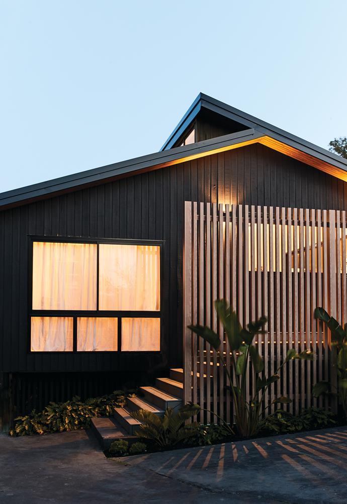"""An oversized timber-look balustrade by [DecoBatten](https://www.decorativeimaging.com.au/building-products/decobatten/