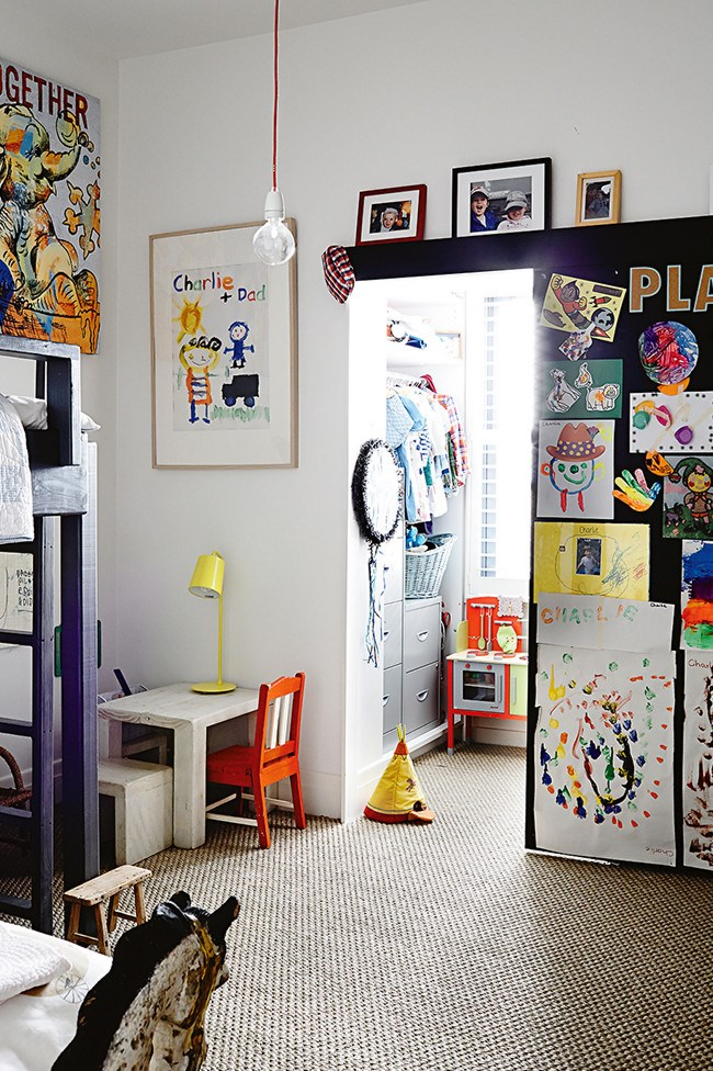 **Children's bedroom** The kids share a room and adore their bunks. The sliding blackboard door makes for a fun place to hide lots of things… even each other!  **>>**[**20 best modern children's bedrooms**](http://www.homelife.com.au/decorating/galleries/20+best+modern+childrens+bedrooms,24489)   **>>**[**20 best country style children's bedrooms**](http://www.homelife.com.au/decorating/galleries/20+best+childrens+country+style+bedrooms,21857) | Photo: Derek Swalwell