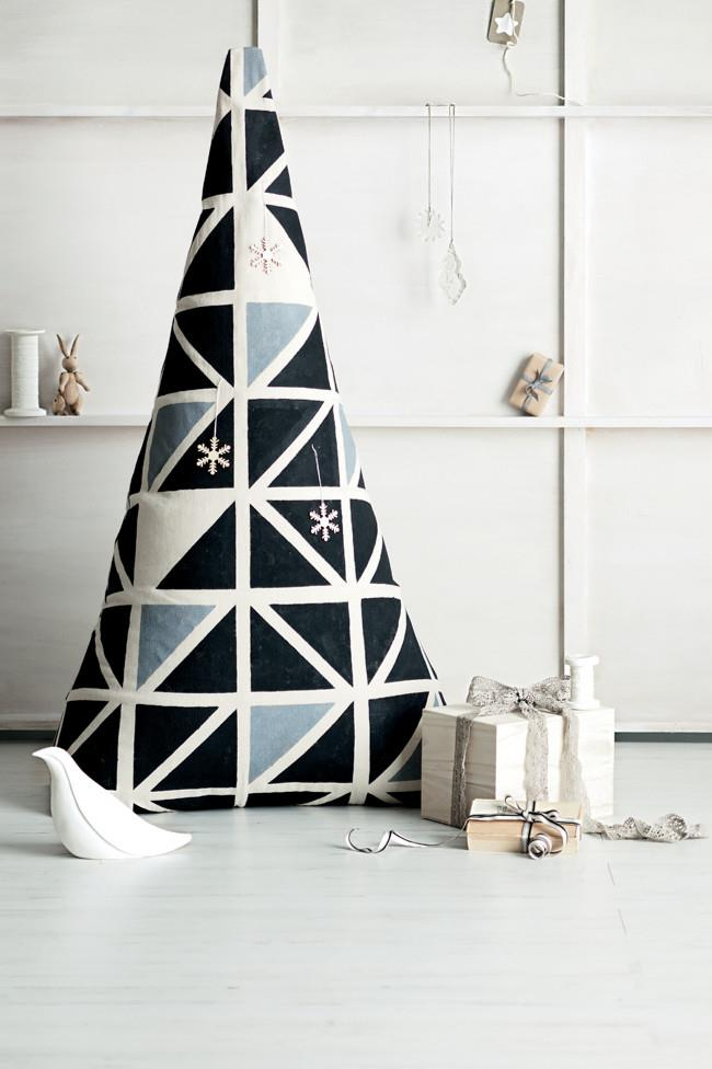 "Let's face it, half the Christmas joy is in getting crafty, especially if it's a [stencilled canvas Christmas tree](https://www.homestolove.com.au/how-to-make-a-stenciled-canvas-christmas-tree-7652|target=""_blank"")."