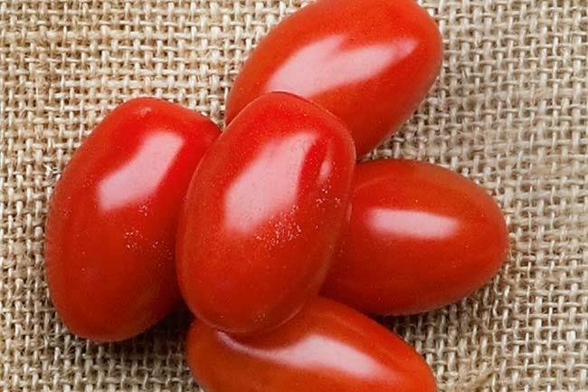 **Grape** | Often confused with their cousin the cherry tomato, grape tomatoes are oblong in shape with a thicker skin. This means that they are full of fibre, and keep well in the fridge for longer periods.
