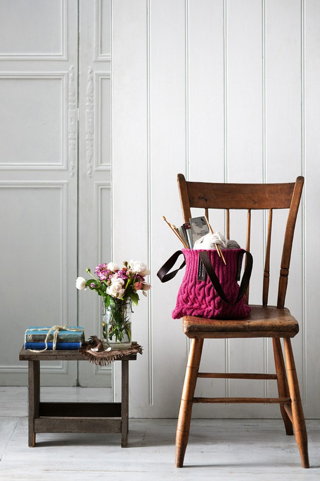 Rather than knitting a jumper this winter, follow this simple plan for a striking, stylish bag. [**How to knit a stylish bag**](http://www.homelife.com.au/how+to/how+to+knit+a+stylish+bag+,30743) | Photo: Craig Wall