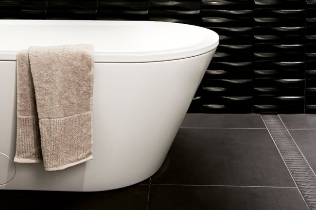'Bliss duo oval' bath (1800mm), from [rogerseller](http://www.rogerseller.com.au.) | Photo: Sam McAdam-Cooper