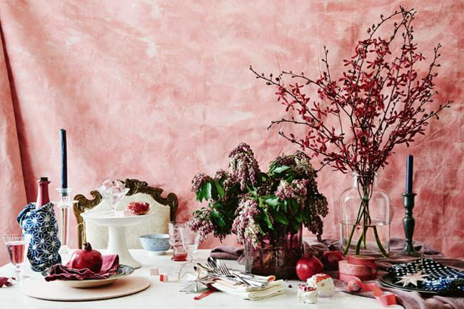 An array of textures and colours of varying tones make for an eye-catching table setting guests will be drawn to.