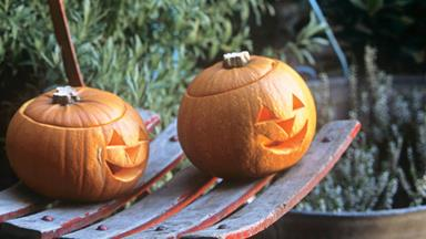 How to make a Halloween Jack-o'-lantern