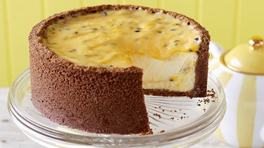 Passionfruit curd cheesecake