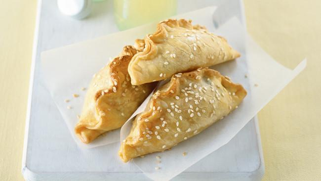 [**Mini veggie pasties**](http://www.homelife.com.au/recipes/entrees/make-mini-vegie-pasties?ad_ref=%2Frecipes%2Fcollections%2Fhealthyschoollunchrecipes%2Fhealthyschoollunchrecipes). Got leftover veggies clogging your crisper? These pasties are a brilliant way to use them up!