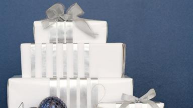 How to make gift wrapping