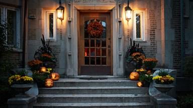 How to carve a spooky jack-o-lantern
