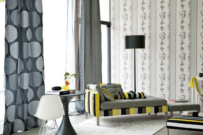 The right window dressings frame a view, filter sunlight and breezes and provide privacy when necessary.      'Amalfi' (left) in Noir and 'Cecilia' in Birch, from [Designers Guild](http://www.designersguild.com/).      Photographs by: Prue Ruscoe, Sharyn Cairns and Sam McAdam.
