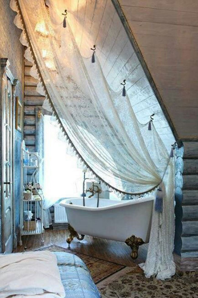 Curtain divider, image from [Decoholic](http://decoholic.org/)
