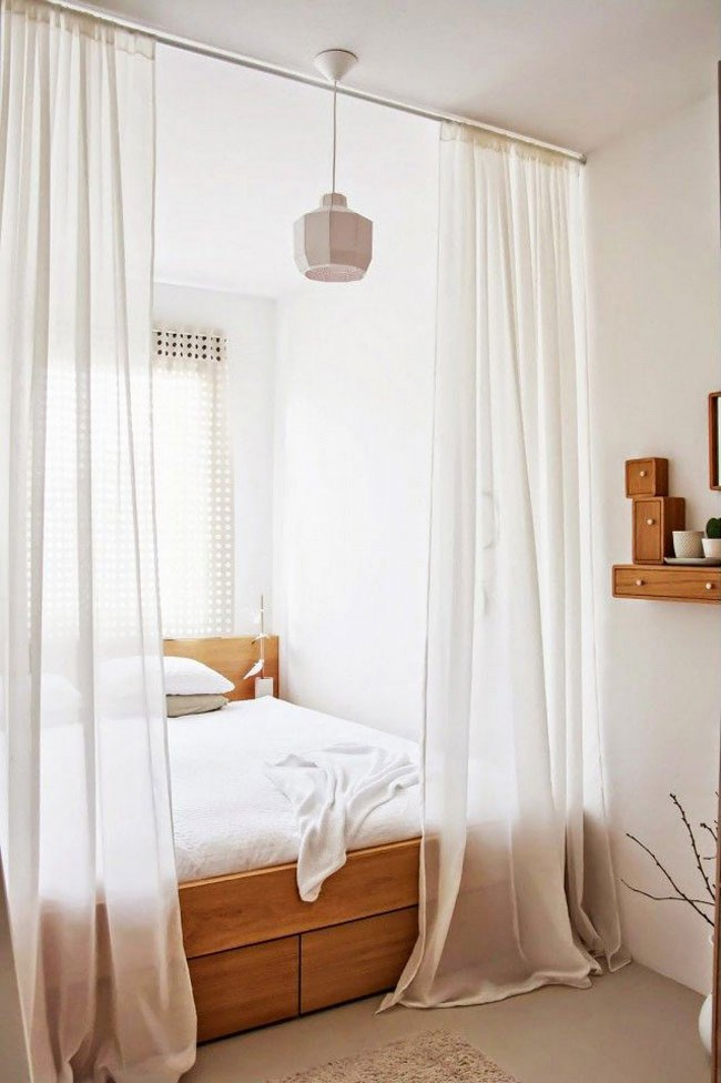 Curtain divider, image from [Domaine Home](http://www.mydomaine.com/)