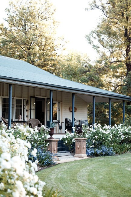 """A 1900s [homestead in Queensland](https://www.homestolove.com.au/queensland-country-garden-13018