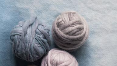 How to make hand dyed yarn
