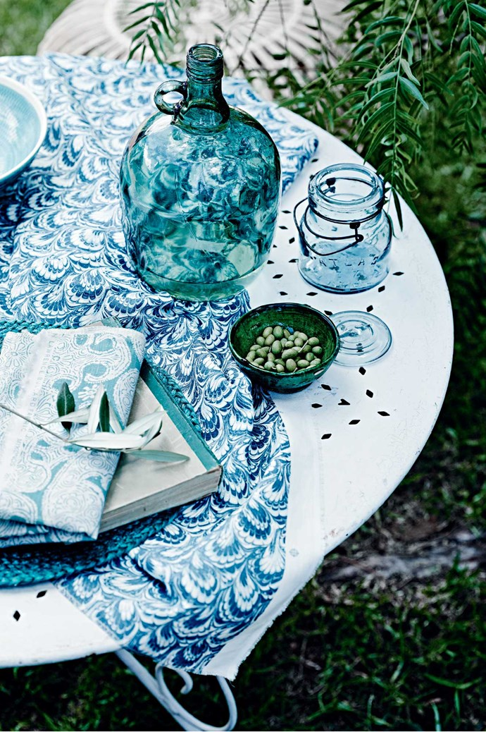 Blue and green should never been seen? Rubbish! Just stick to a two- or three-colour palette, incorporating tints and tones of each hue, and a neutral like white. | Photo: Mark Roper