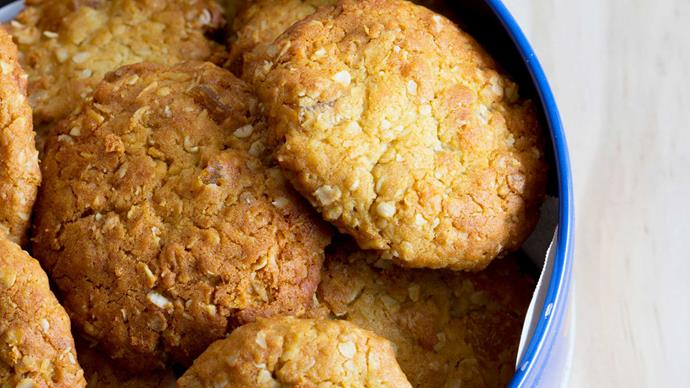 [**ANZAC biscuits**](http://www.homelife.com.au/recipes/desserts/anzac-biscuits). A winner any time of the year, ANZAC bikkies are a lovely sweet treat to find in your school lunch.