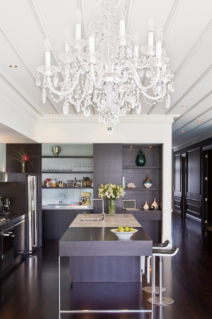 The Preciosa [chandelier](http://www.homelife.com.au/homes/galleries/chandeliers,10336) from ECC makes the most of the 3.3m ceiling and is a real statement piece. | Photo: Emma Bass