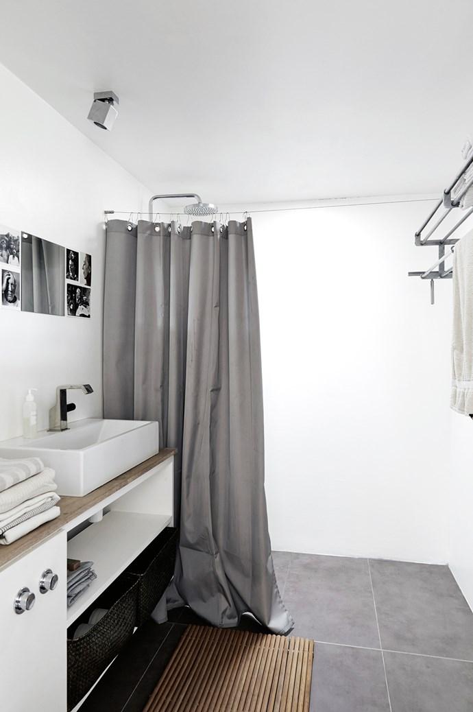 Simple, clean lines in the bathroom. | Photo: Birgitta Wolfgang Drejer/Sister Agency
