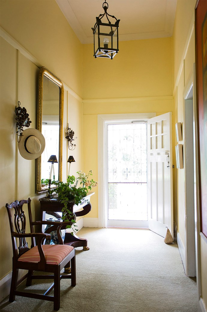"[High-ceilinged hallways](https://www.homestolove.com.au/entrance-and-hallway-ideas-to-inspire-5111|target=""_blank"") are a natural thoroughfare for breeze; a welcome respite during searing Moree summers."